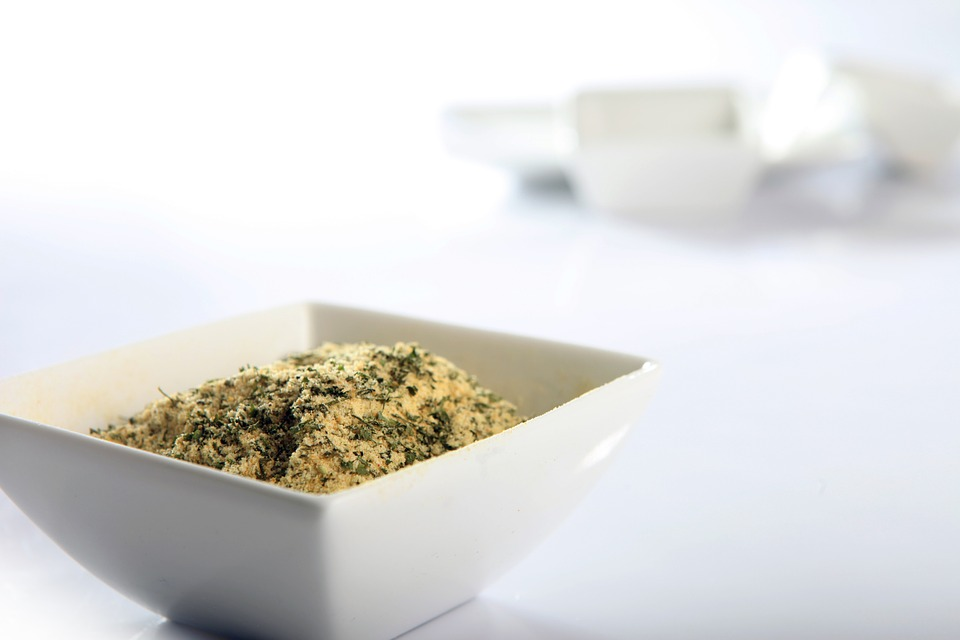 Spice rubs are mainly used for preparing meat, poultry and fish, giving it lots of flavours and a crispy crust.
