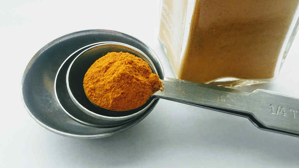 You can find sore throat relief from drinking turmeric tea easily made from the comfort of your home