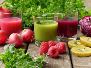 Juicing with herbs, vegetables and fruits