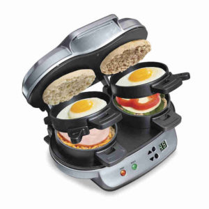 Hamilton Beach Dual Breakfast Sandwich Maker - Cook two breakfast sandwiches to perfection according to own preferences