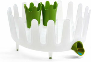 The circular, crown designed dish rack fits crockeries of different  shapes and sizes.